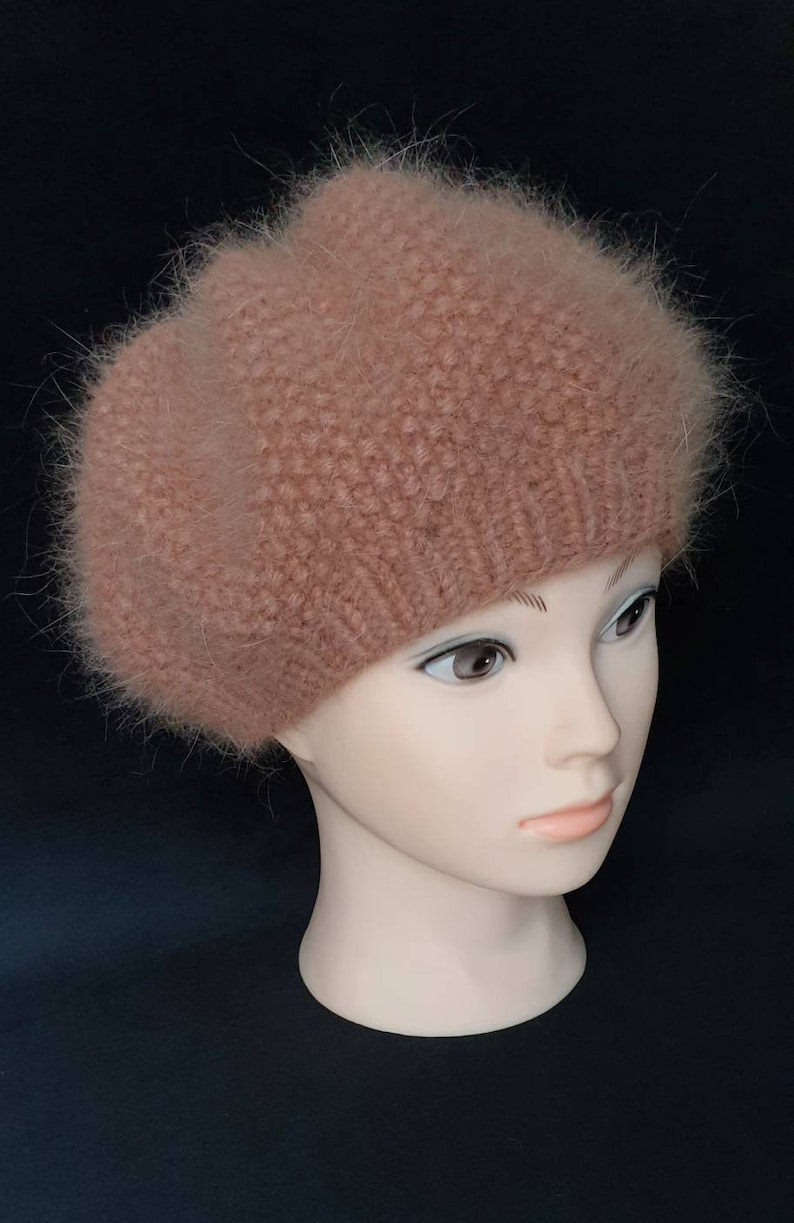 Warm knitted beret Made in Italy Angora wool women/'s soft winter hat