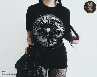 Magic Mushrooms T-shirt | Forest Witchy Goblincore Clothing Aesthetic Dark Academia Soft Goth Grunge Alternative Clothes Trippy mushroom art