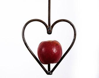 Heart apple/ fatball bird feeder in rustic steel