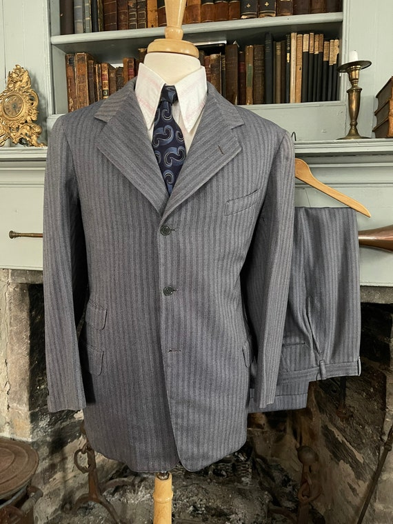 Vintage 1940's blue/purple pinstripe suit 38R 32W