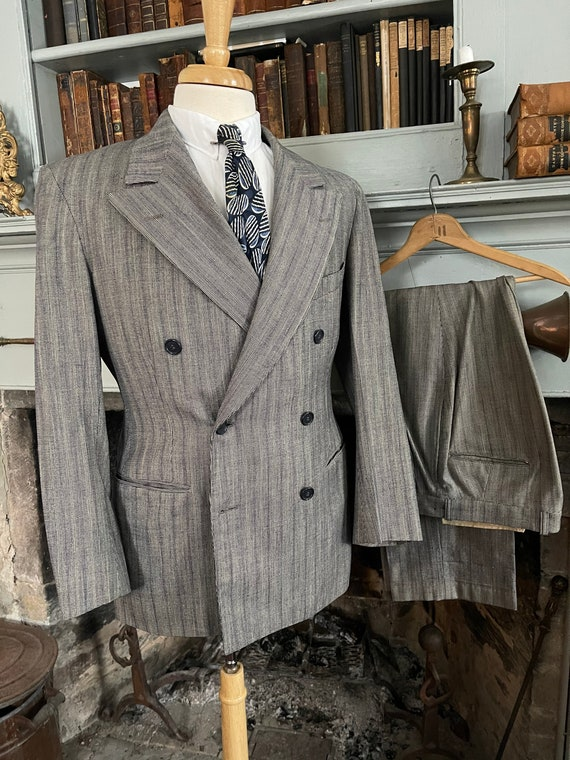 Vintage late 1930's early 1940's grey with blue pi