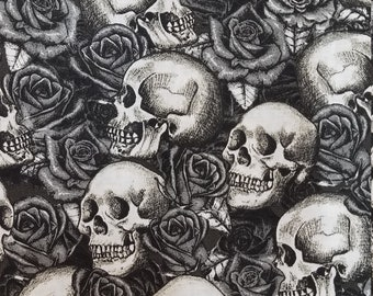 100/% Cotton Skull Fabric Skulls and Roses Halloween Quilter/'s Cotton by-the-yard and Fat Quarter Increments Available