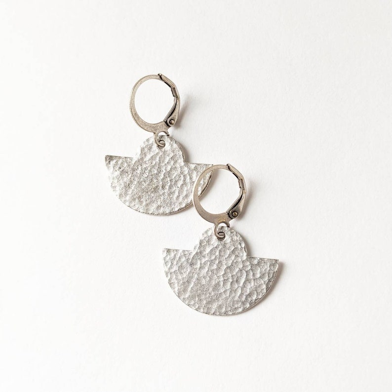 Silver toned hammered brass simple geometric earrings