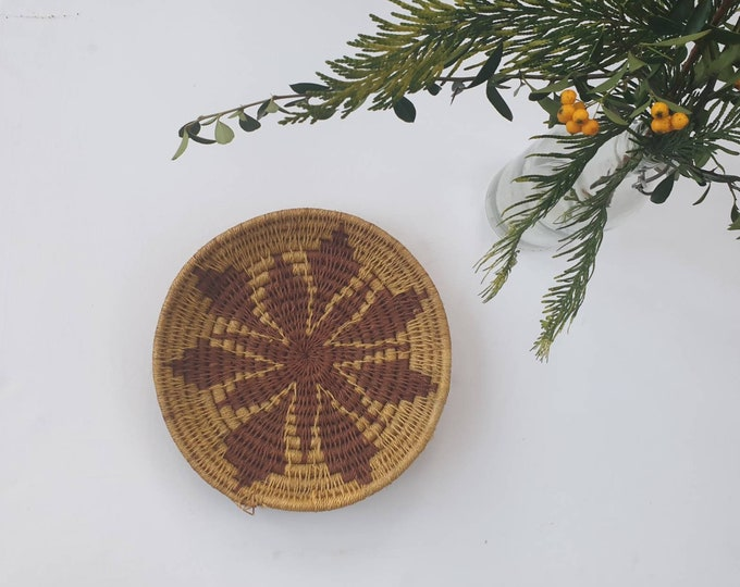 Woven brown sisal basket/african basket/Wall art basket/handmade basket