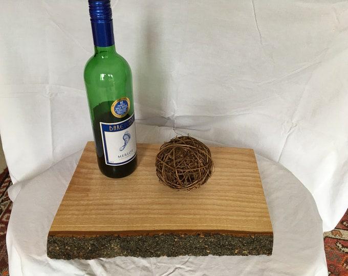 Ash Serving Board with Treated Bark,Ash platter board/Ash cheese board