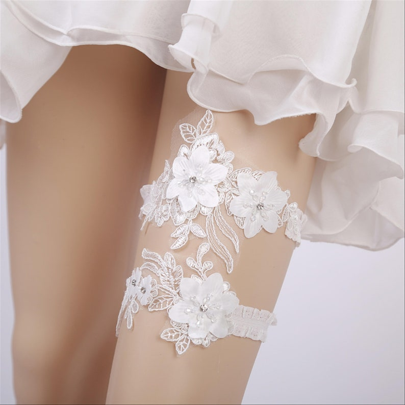 Floral Rhinestones Wedding Garter Bridal Garters Toss Garter Keepsake Garter Off White Lace Garter Set Ivory Garter Crystal Bridal Garter