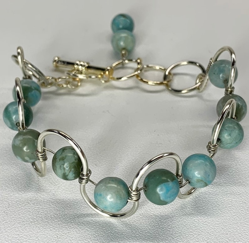 New Artisan Handmade Adjustable Wavy Silver Tone Wire Bracelet with Sky Blue Jasper Stones and Dangle Clasp B025