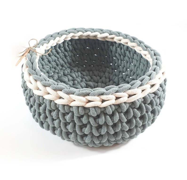 dog baskets cat bed dog bed made of sustainable cotton yarn Cat baskets vegan