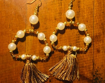 plastic pearl golden bead tassel earrings