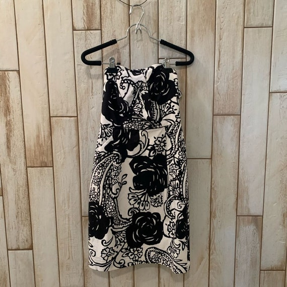 White House Black Market Ladies strapless dress
