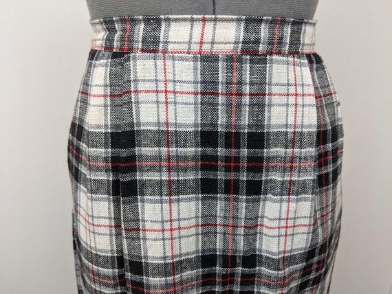 Vintage 1960s Patterns, Plaid Midi Skirt, Rayon B… - image 5