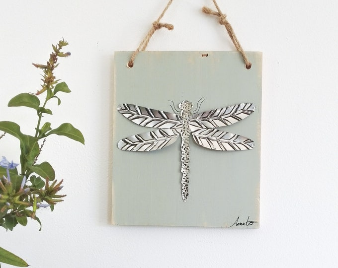 Mini Tableau Silver Dragonfly in recycled repulsed metal