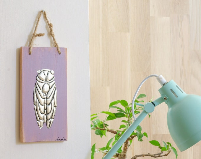 Mini cicada painting of Provence in metal repelled on wood of recovery'