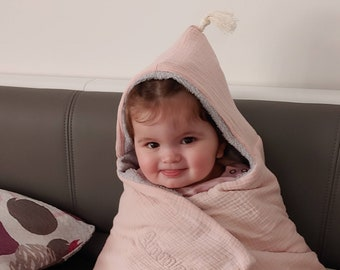 Bath poncho for newborns,babies and children/bath towel with bobble-with name/hooded towel from muslin and terry/0-18 months & 2-6 years