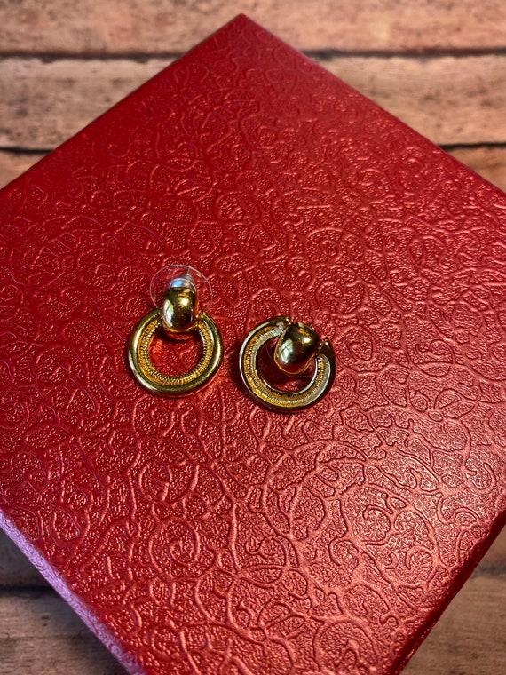 Vtg retro Monet Gold Tone Earrings, dual style ci… - image 3
