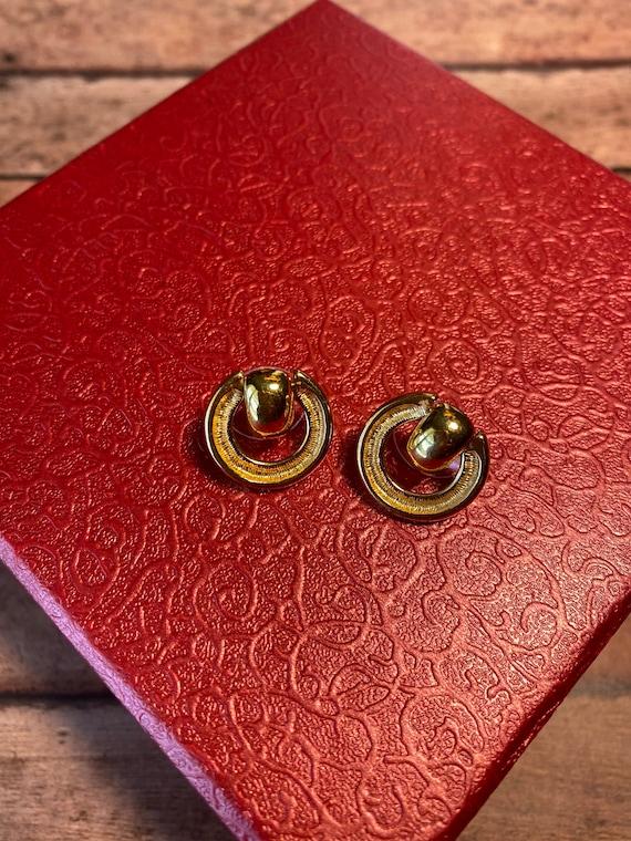 Vtg retro Monet Gold Tone Earrings, dual style ci… - image 2