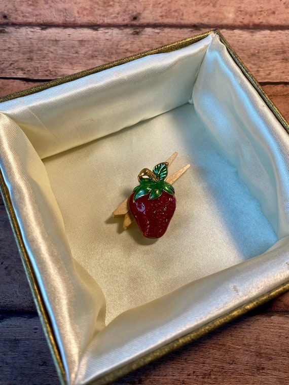 Vtg Enamel Bright Red and Gold Strawberry Brooch,… - image 5