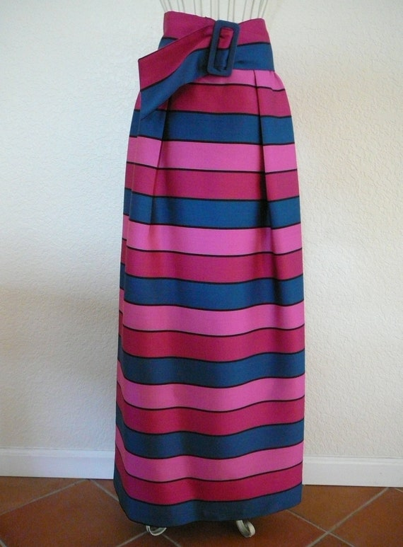 Stunning and Elegant Vintage Multi Colored Striped