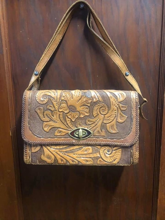 1970s Mexican Tooled Leather Purse