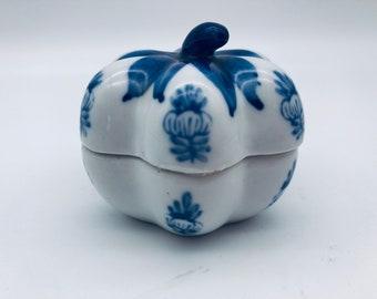 Vintage Chinese Crane Covered Rice BowlsBlue White Stoneware Nesting Soup BowlsTWO Chinoiserie Ceramic BowlsPeoples Republic of China