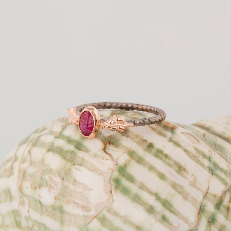 RUBY Stone Minimalist Ring Rubinstein minimalistischen Ring Bague Minimaliste en Pierre Rubis Anello Minimalista in Pietra Rubino SilverRing