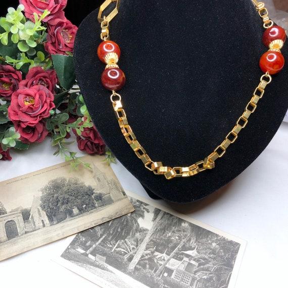 Vintage 1940s Bakelite Necklace. - image 4