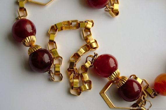 Vintage 1940s Bakelite Necklace. - image 3