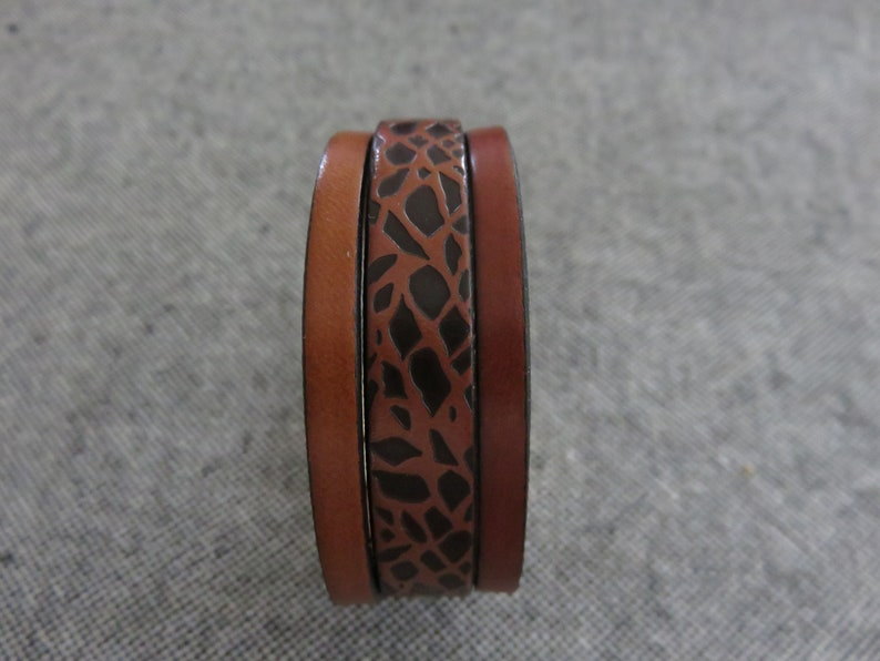 animal print with magnetized clasp Mixed leather brown and cognac bracelet
