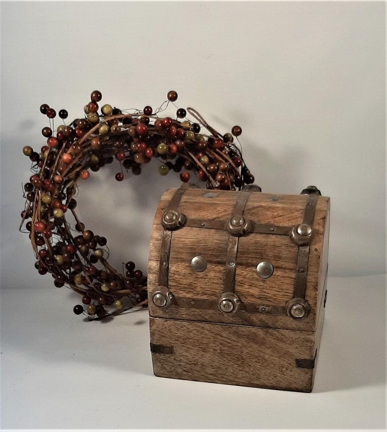 Vintage WOW! Vintage jewelry box Great gift idea or retro home decor idea Oak Treasure Box Hand made wooden box Collectible oak box