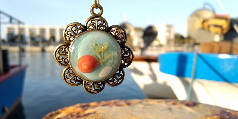 Resin jewelry Rarity pendant Red seashell Summer pendant Mother/'s Day gift Ocean pendant Mermaid jewelry Sea necklace Women present