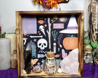 WITCHY ALTAR TRAY - Burnt Birch Wood Tray with Cute Witchy Print Lining - Altar Display - Crystal Storage - Witchy Home Decor - Witchy Shelf