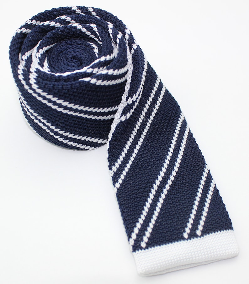 Groomsman Grooms Navy Dark Blue /& White Stripe Men/'s Skinny Knitted Tie Necktie