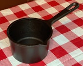 Lodge 5 Cast Iron Melting Pot, 2MP2, 2 Cup Single Spout Ladle, Made in USA, Restored, Seasoned, Sauce Pan
