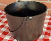 Cast Iron Round Bottom Kettle No. 8, Vintage 3 Footed 9 Quart Cowboy Bean Pot, Restored, Seasoned