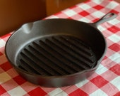 Vintage Unmarked Lodge 3 Notch Cast Iron Round Grill Skillet Pan, Restored, Seasoned