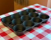Unmarked Wagner Ware Cast Iron Muffin Pan Popover Pan, Restored, Seasoned, 11 Cups, Vintage