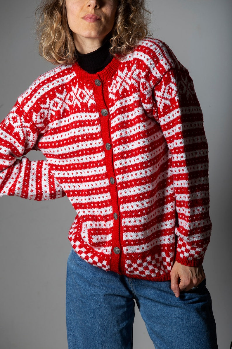 Handmade Vintage red and white cardiganunisex sweater from the 80-90s  retro wool sweateroversizesize M-L