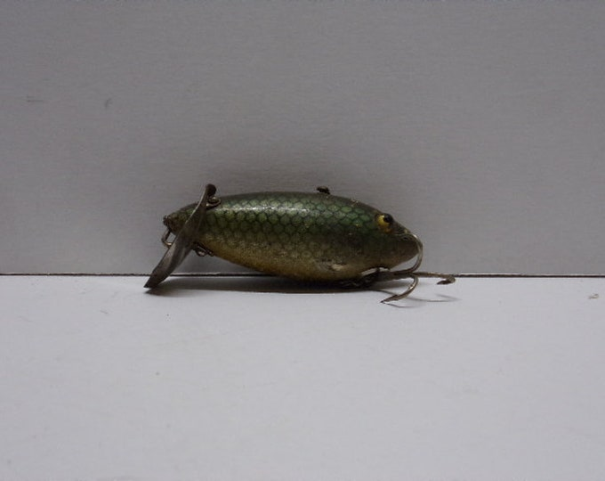 "Vintage heddon dowagic lure size 3"" from early 1900s"
