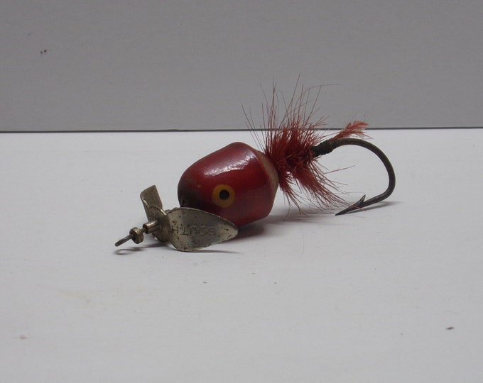 Vintage south bend topwater lure from 1950s
