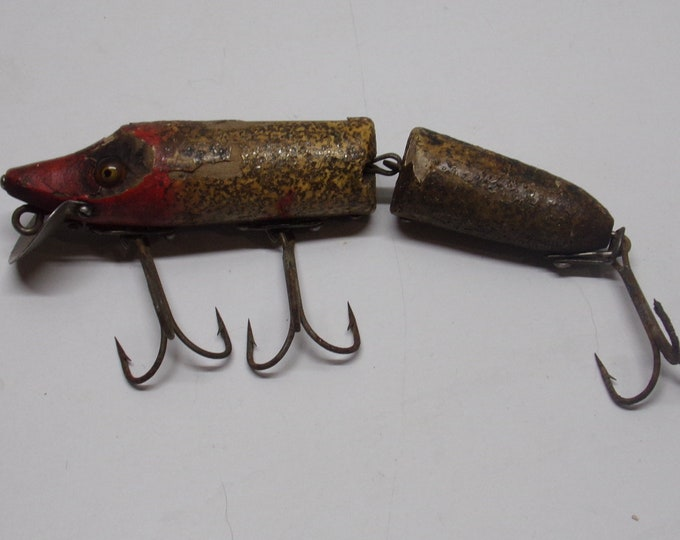 Vintage heddon jointed vamp lure with glass eyes from 1940s