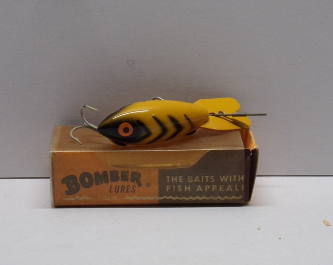 Vintage bomber 320 deep diving lure made in the 1960s1970s