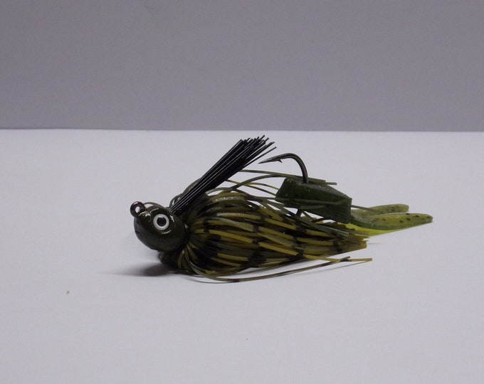 kamakazi bass jig 1/8 ounce lead free color green pumpkin made by bass buster baits