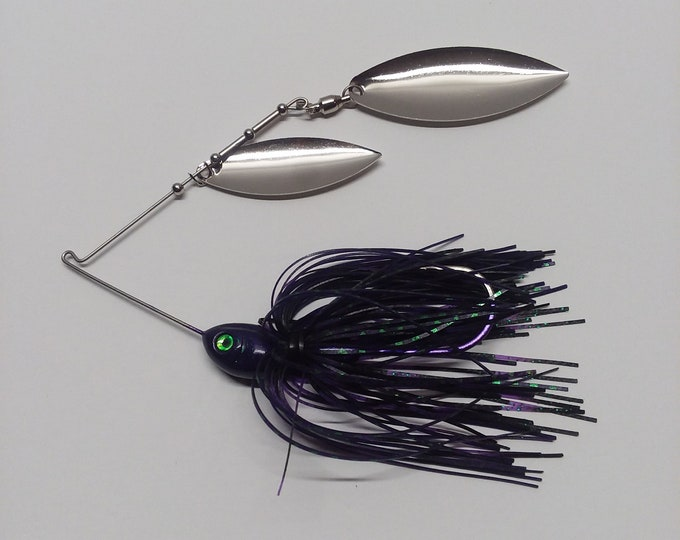 Spinnerbait june bug with chrome willow leaf blades 1/2 ounce spinnerbait.