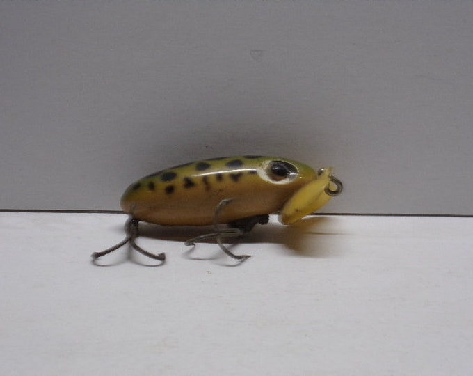 Fred arbogast jitter bug plastic bill ww2 time frame topwater lure from 1940s