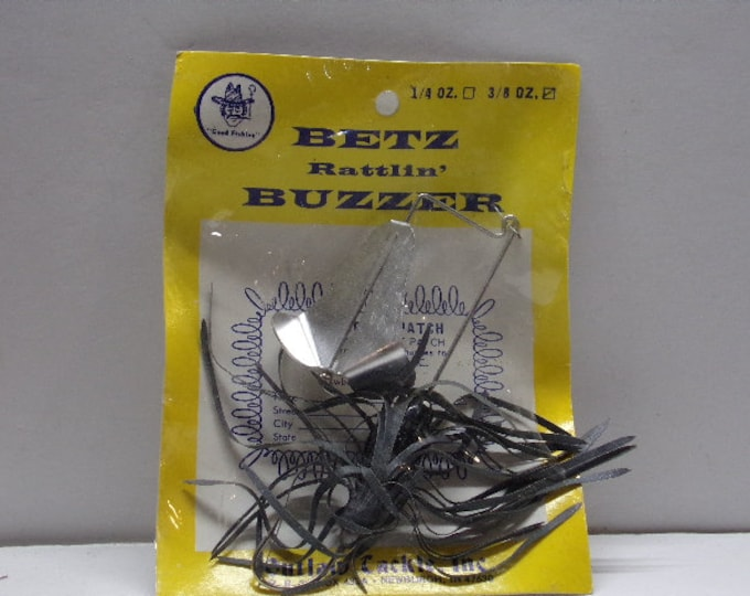 Vintage rattlin buzz bait top water lure 3/8 ounce made by outlaw tackle in the 1970s.