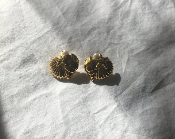 Vintage 90s Signed 22k Shiny Gold Plated 3D Shell and Faux Pearl Statement Earrings