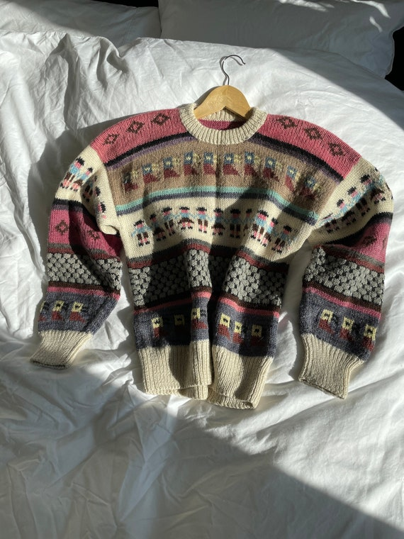 Vintage Hand Knit Novelty Print Wool Pullover Swea