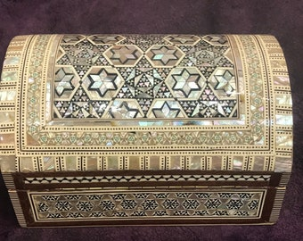 Egyptian Wood Jewelry Box Inlaid mother of Pearl Handmade 20.5 cm
