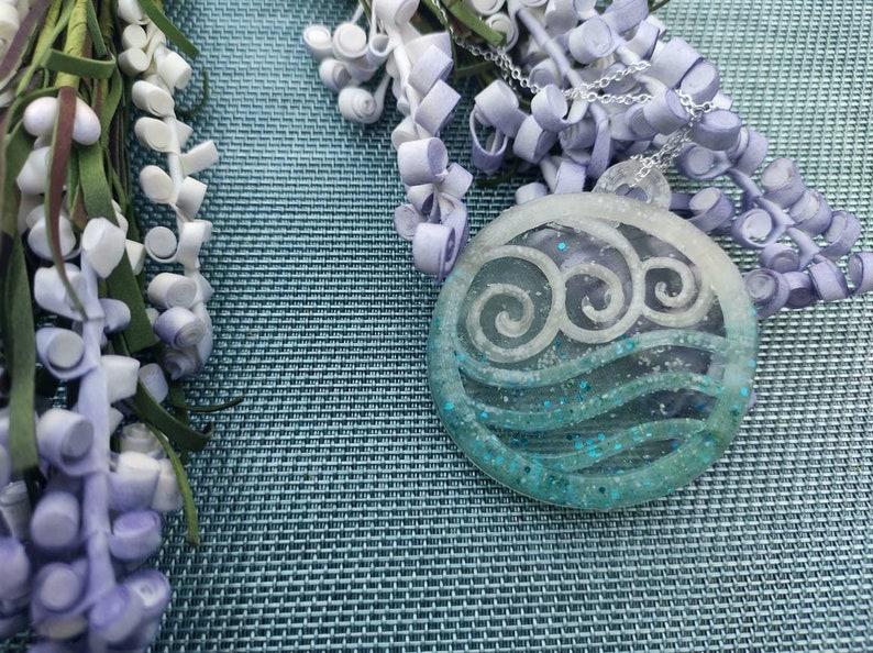 Necklace resin Katara Waterbending Avatar the last airbender White