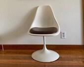 Eero Saarinen Style Swivel Tulip Chair